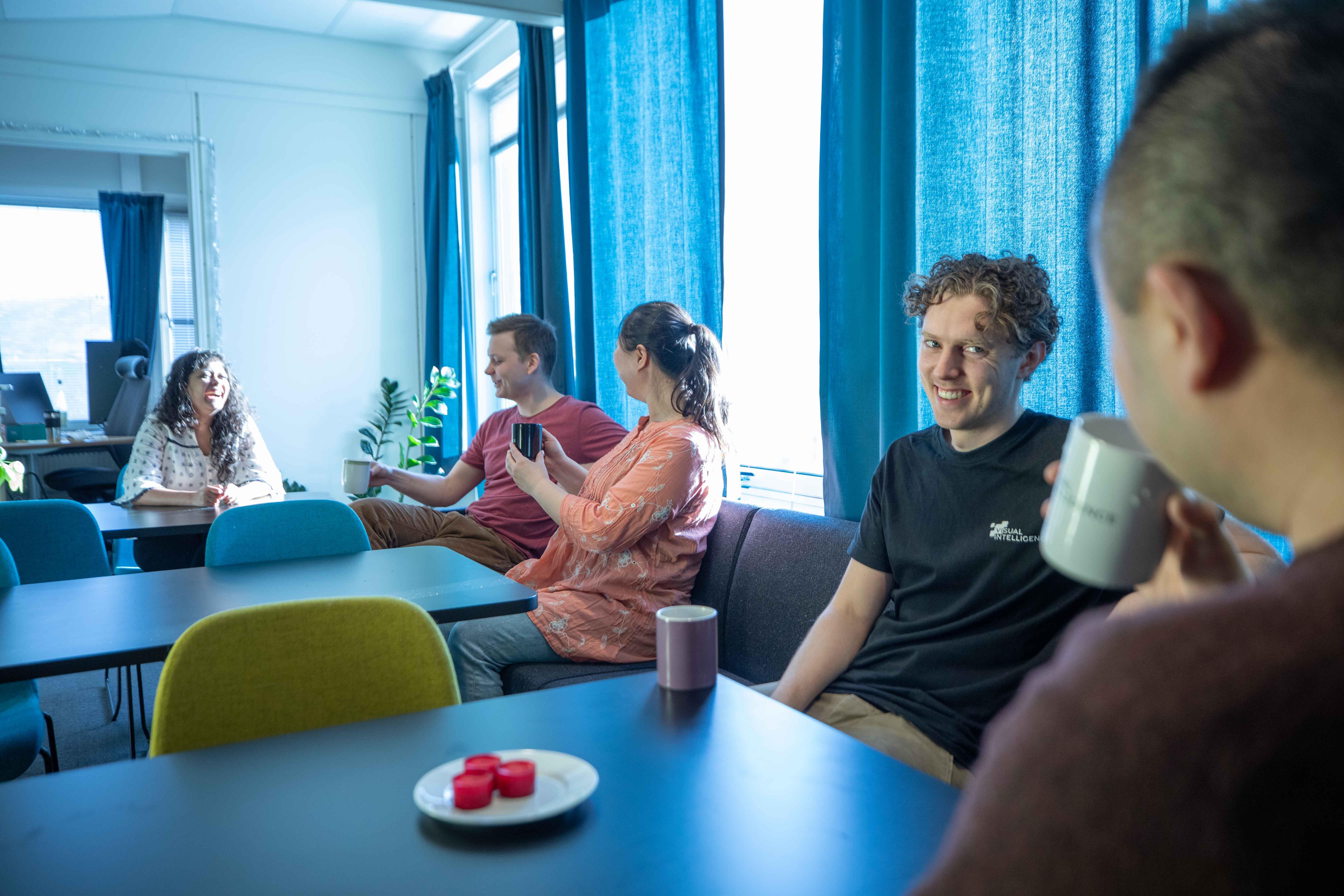 Social interaction at Visual Intelligence