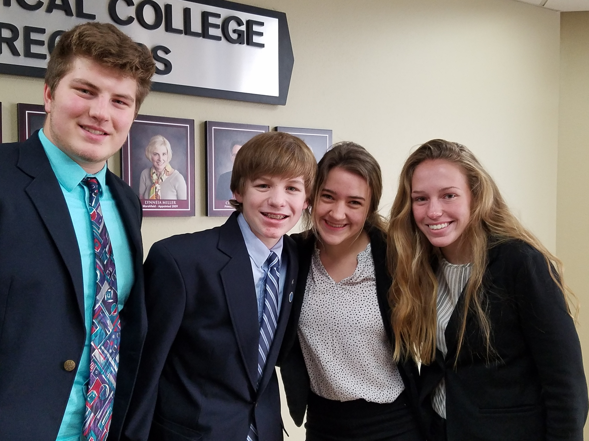 Photo of WI DECA Students at Districts