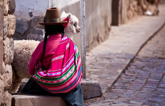 Redes sociales en defensa de la mujer, Bolivia