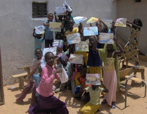 """""""Rehabilitación de la escuela CAFT para la educación de base de niños y niñas en edad escolar en Dakar, Senegal"""""""