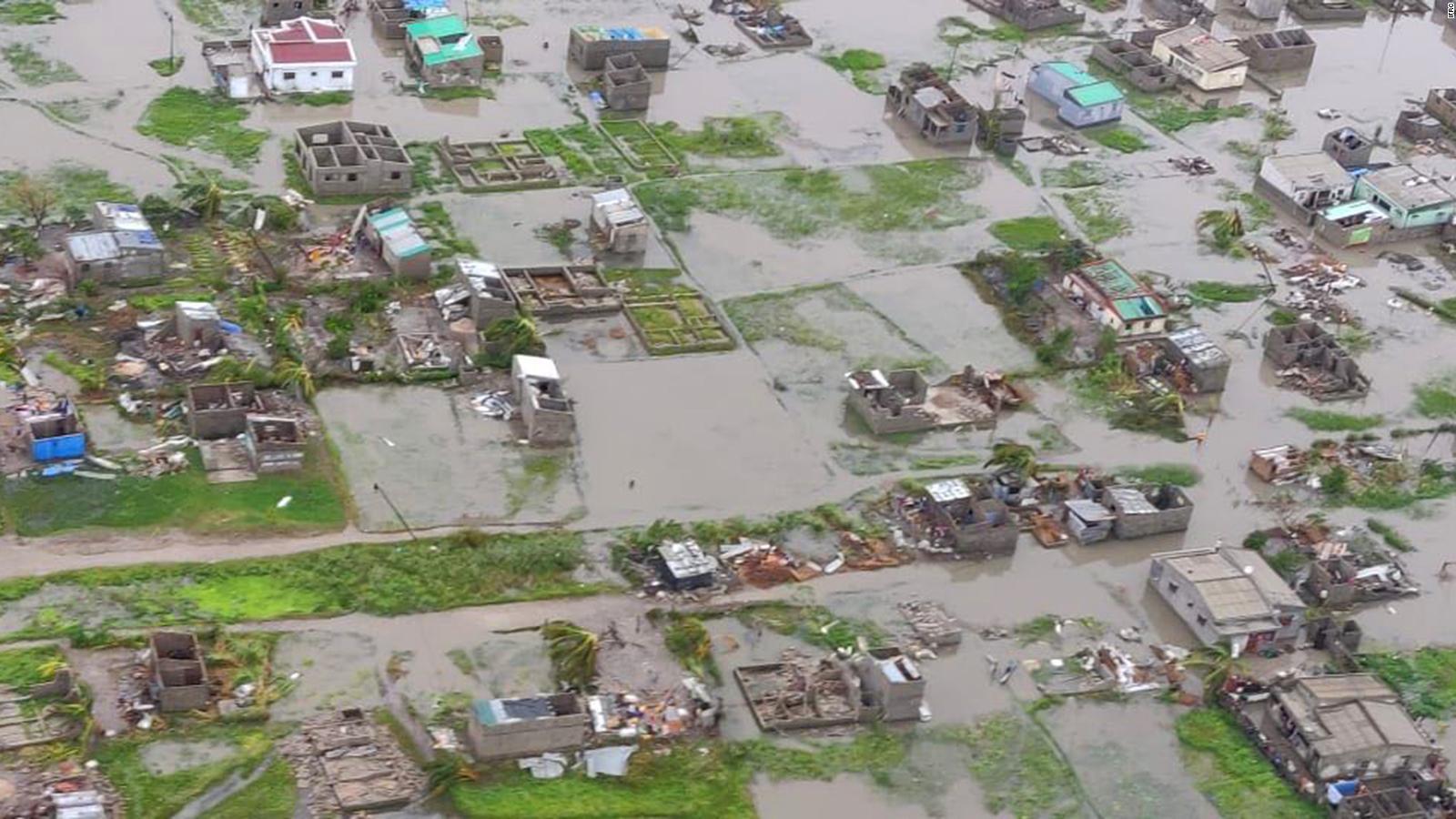 Construcción de casas para familias desplazadas víctimas de las inundaciones en Khongolote.