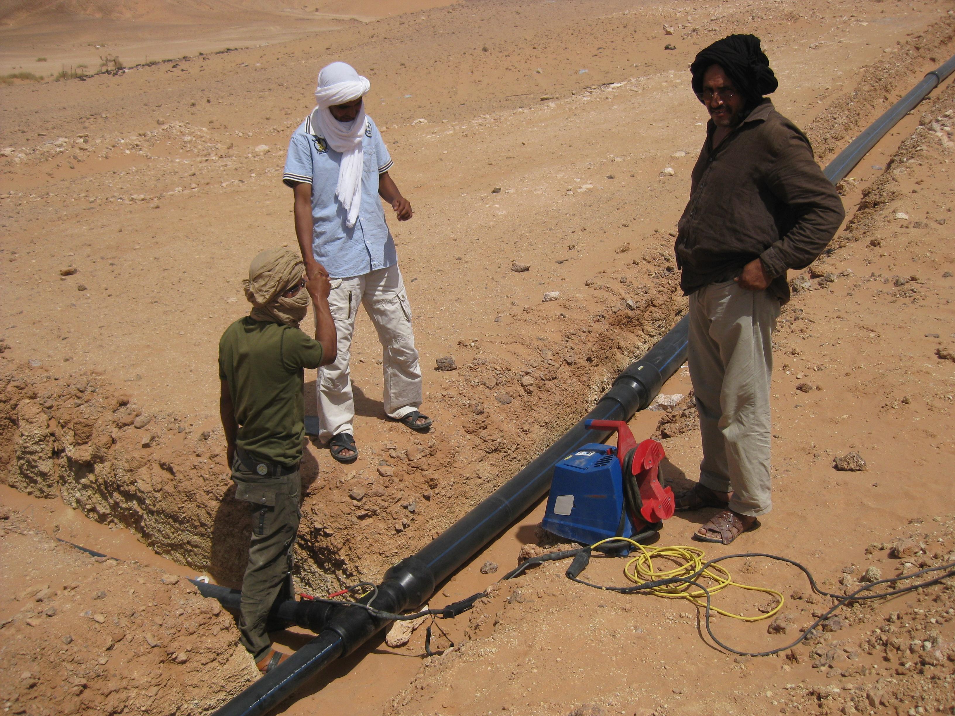 Programa de abastecimiento de agua en los Campamentos de Refugiados Saharauis (CRS) en Tindouf –  ACNUR 2002-2020