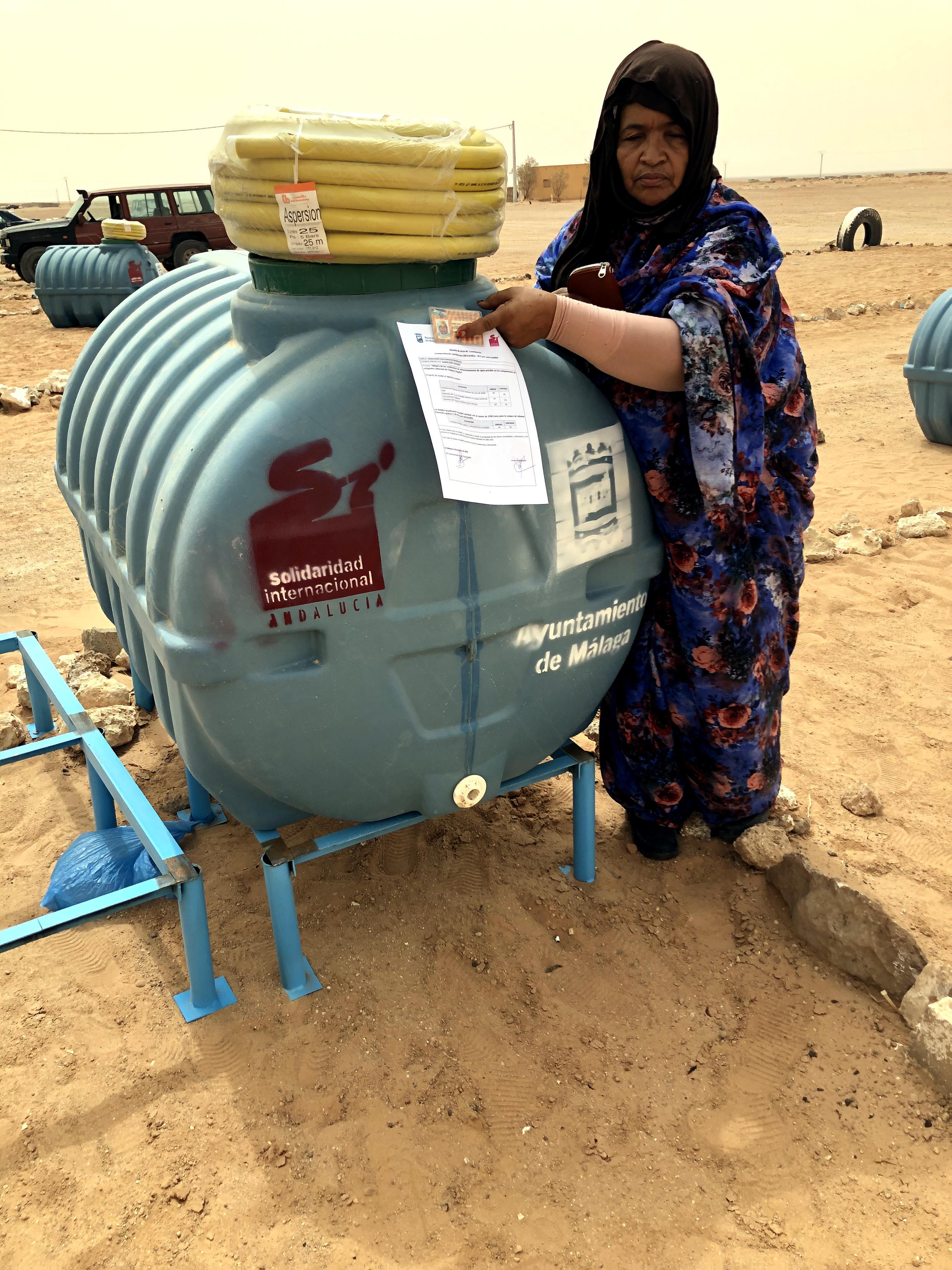 Mejora de las condiciones de almacenamiento de agua potable en los campamentos de refugiados saharauis de Tindouf, Argelia