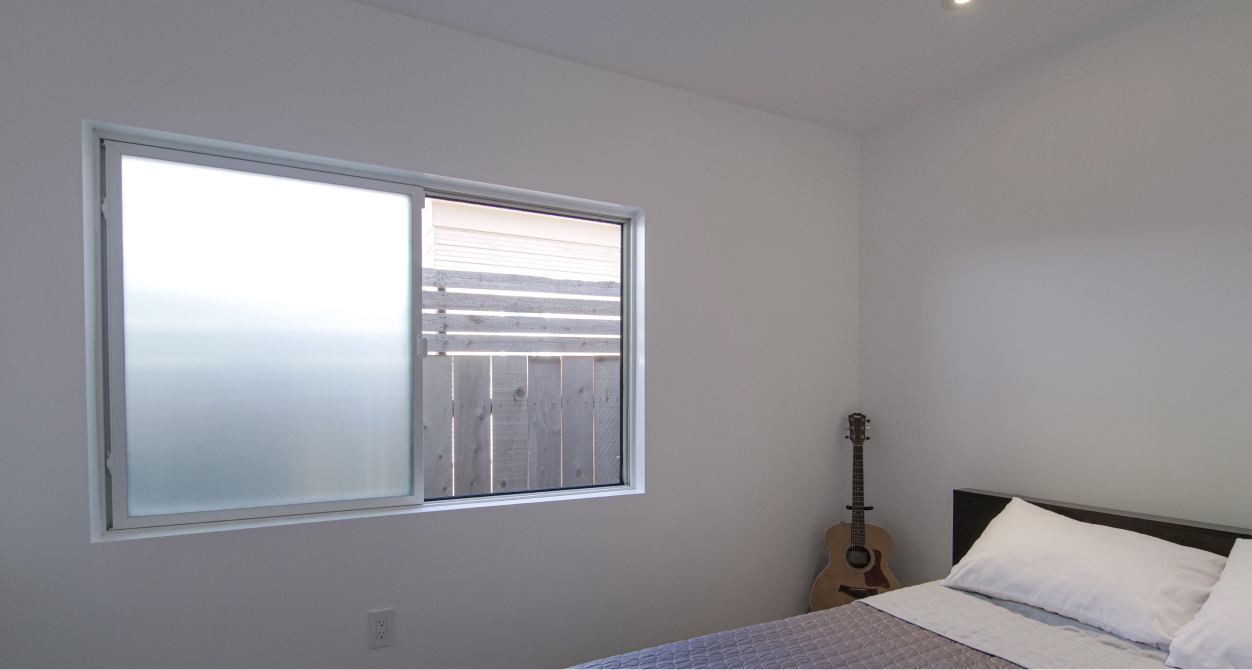 Photo of bedroom privacy windows