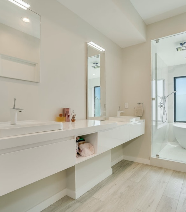 Crest Residence minimalist bathroom