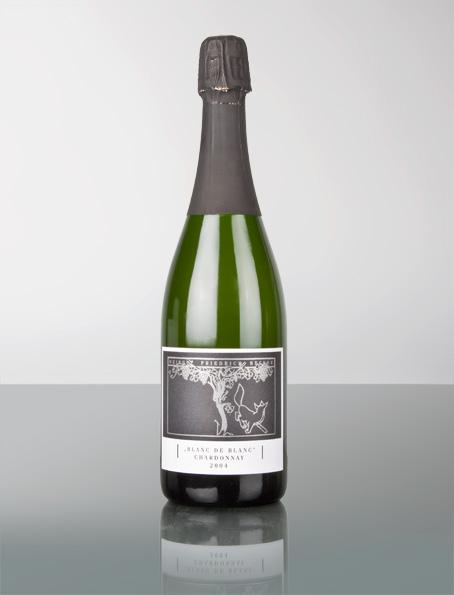 """Cuveé Salome Brut Weingut Friedrich Becke """"Wie unsere Nachbarn in der Champagne benutzen auch wir zur Erzeugung die altklassische Methode der Flaschengärung. Dafür verwenden wir ausschließlich Burgundersorten: Pinot Menieur, Pinot Noir, Auxerrois und Chardonnay. Bei der Zusammensetzung verfahren wir ganz nach Gusto, so, wie es uns zielführend scheint. Die hohe Klasse der mit vielen Auszeichnungen bedachten Sekte, hat ihren Ausgang beim eigens selektierten Lesegut und dem vieljährigen Hefelager (bis zu 10 Jahren) auf der Flasche."""" Friedrich Becker"""