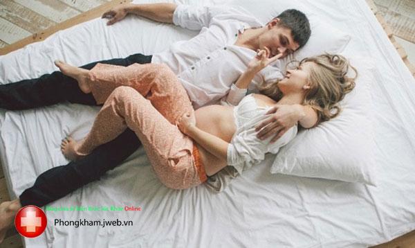 Tư quan hệ tình dục an toàn khi mang thai