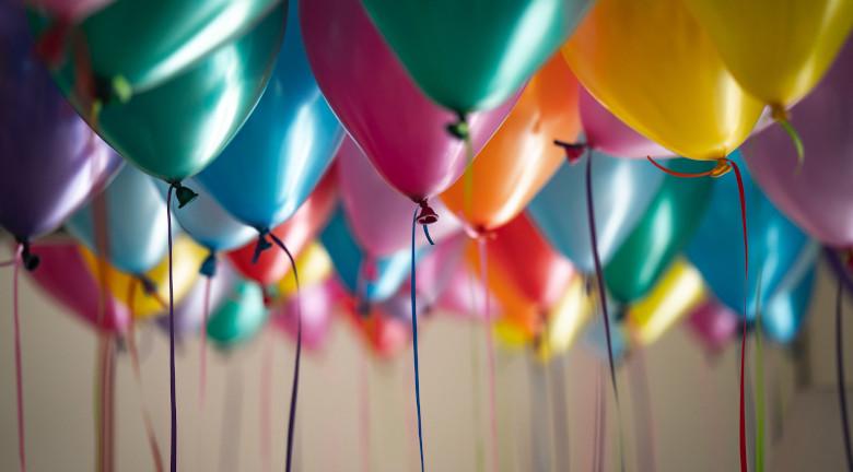 birthday-zoom-background