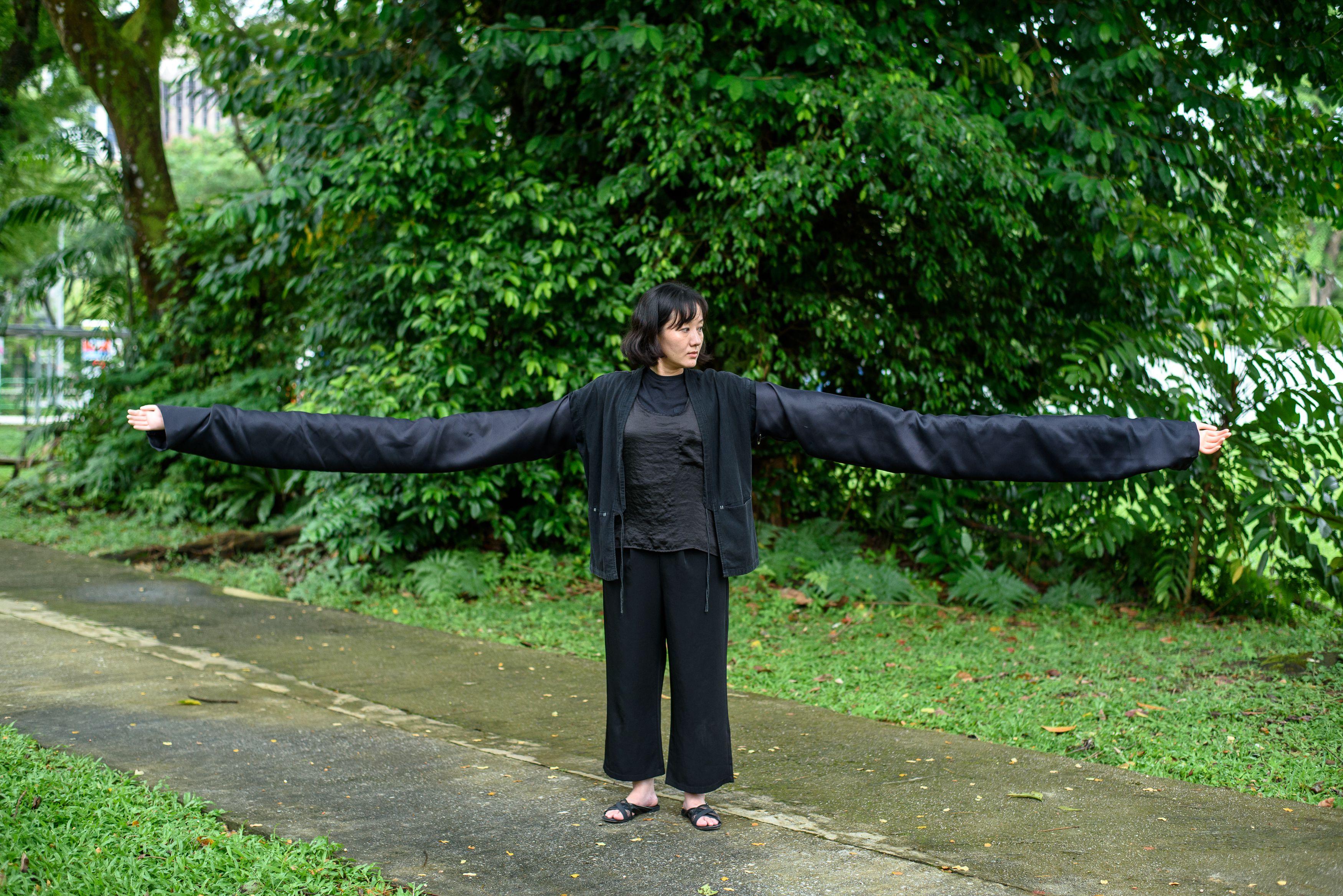 Huang Suhuai (The Performative Body)