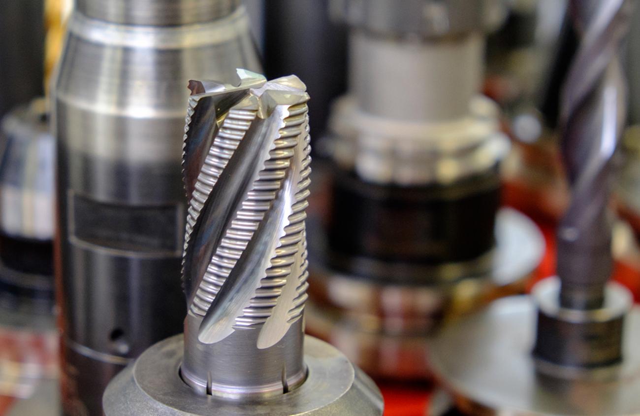 Kramlik ist Ihr Partner bei Tätigkeiten der Lohnfertigung im Metallzerspanungsbereich d.h. von der zeichnungsgerechten Formgebung aus Stangen- oder Rohblöcken durch Drehen, Fräsen, Bohren oder Schweißen.