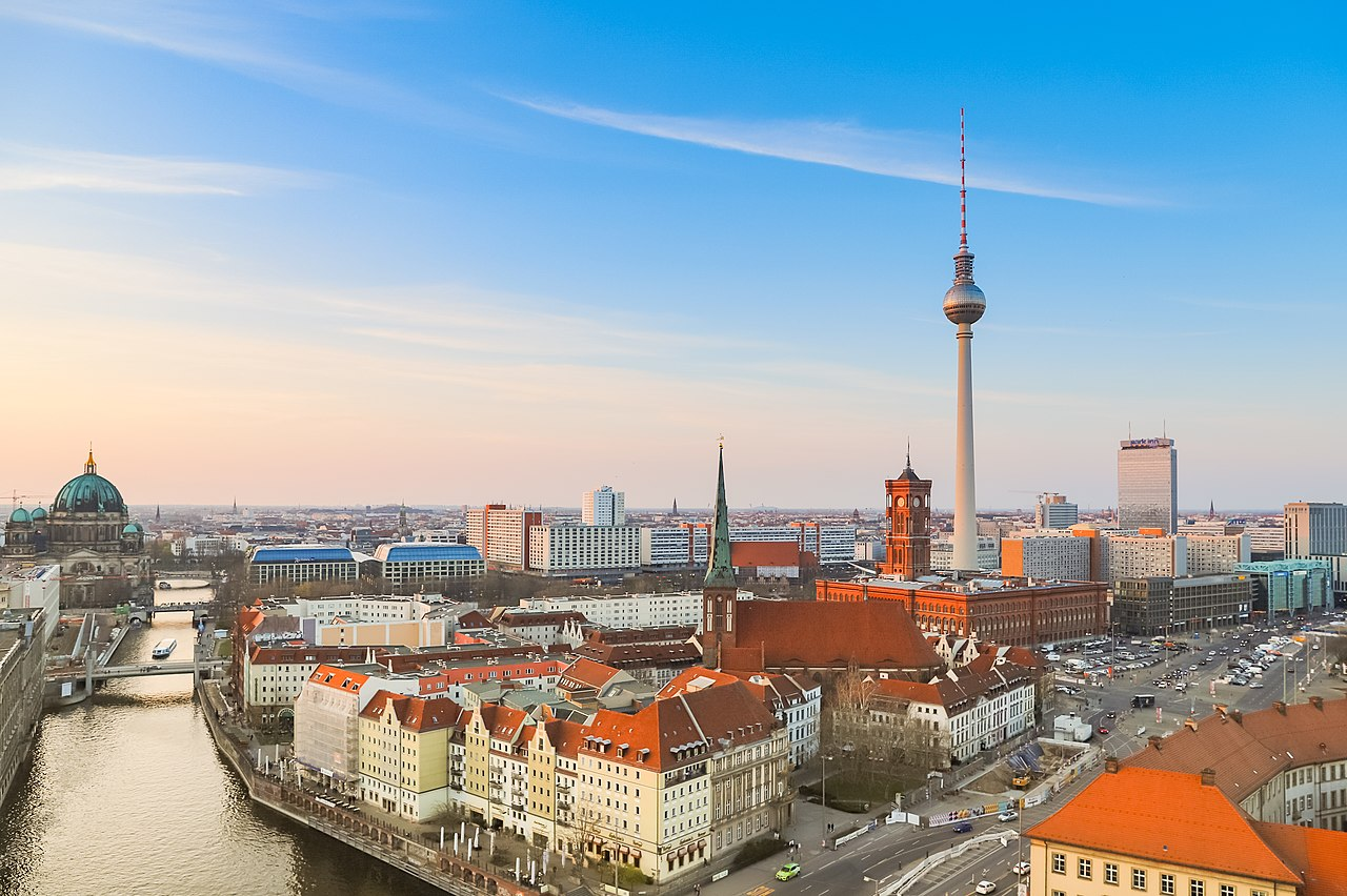 Berlins hustak kommer snart fånga upp energi från solen. Foto: Creative Commons.