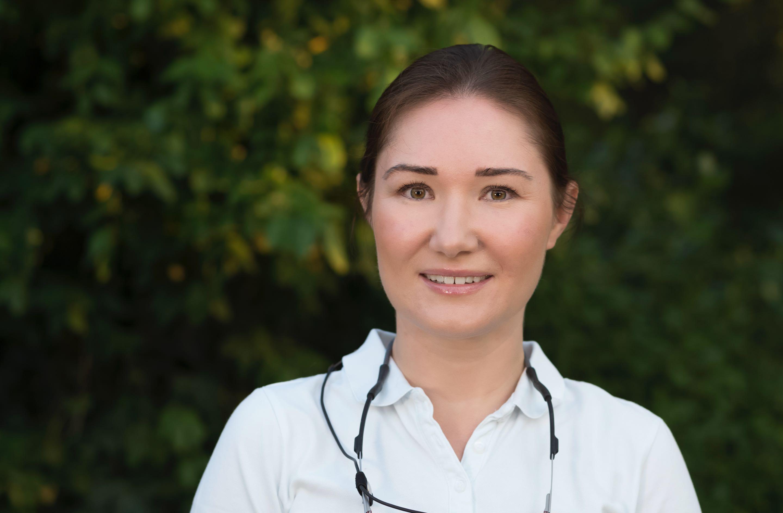 Zahnaerztin-Ilona Balea