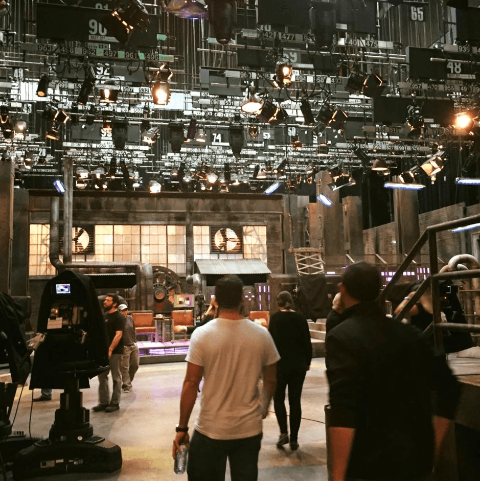 Dragon Den's set