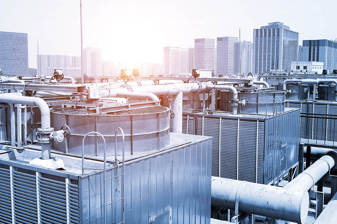 Commercial water cooling system on a rooftop