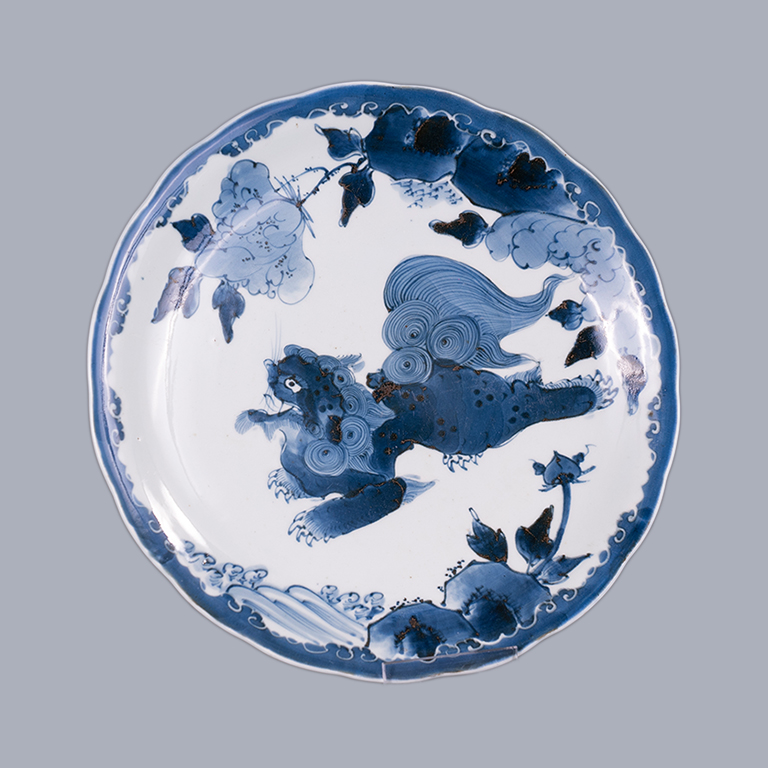 Mid-Late 18th Century Japanese Arita Porcelain Plate