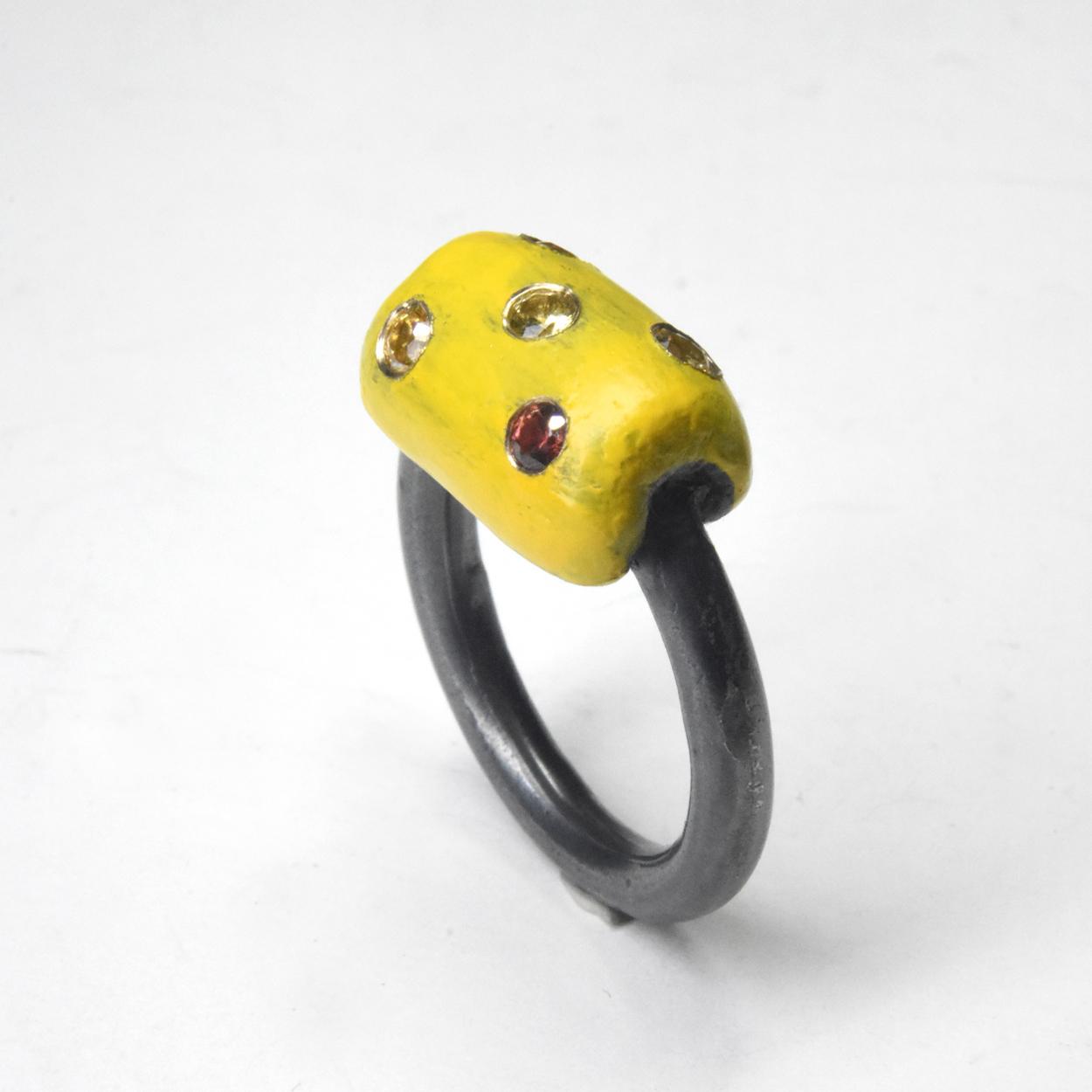 yellow slug ring