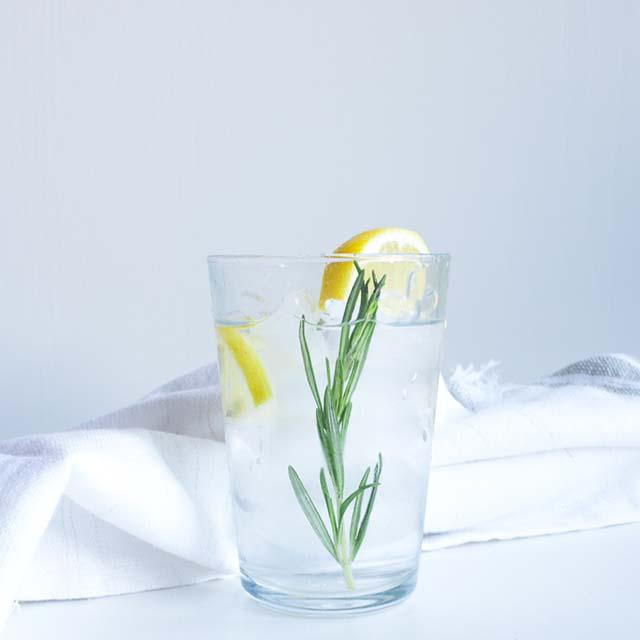 Rozemarijn limonade