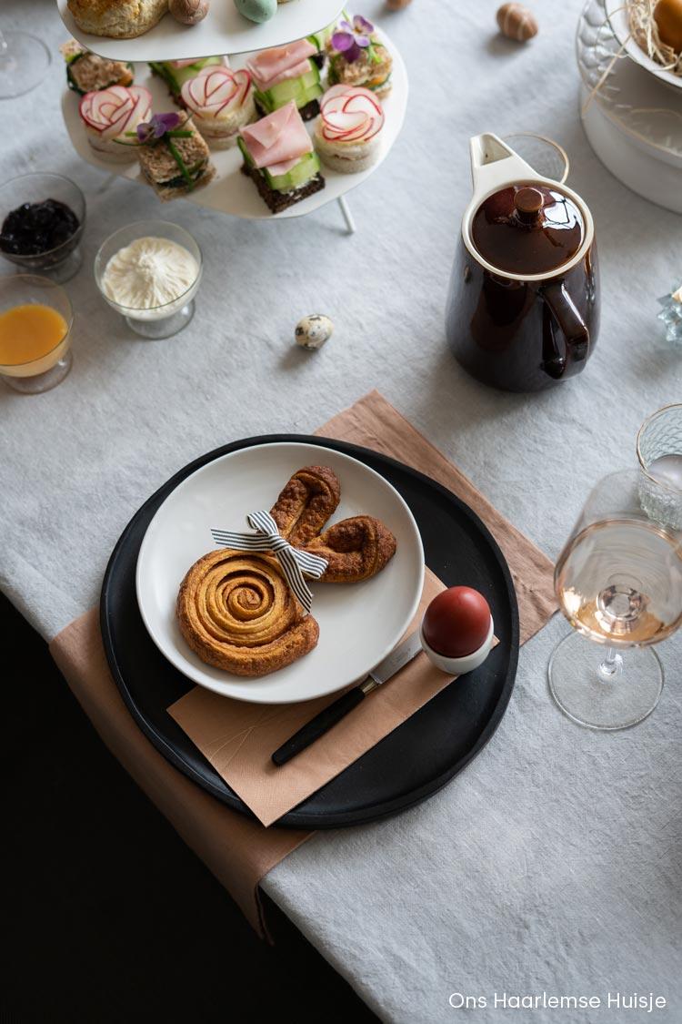 Danerolles cinnamon swirls: maak lekkere kaneelbroodjes in paashaas vorm voor de brunch voor Pasen