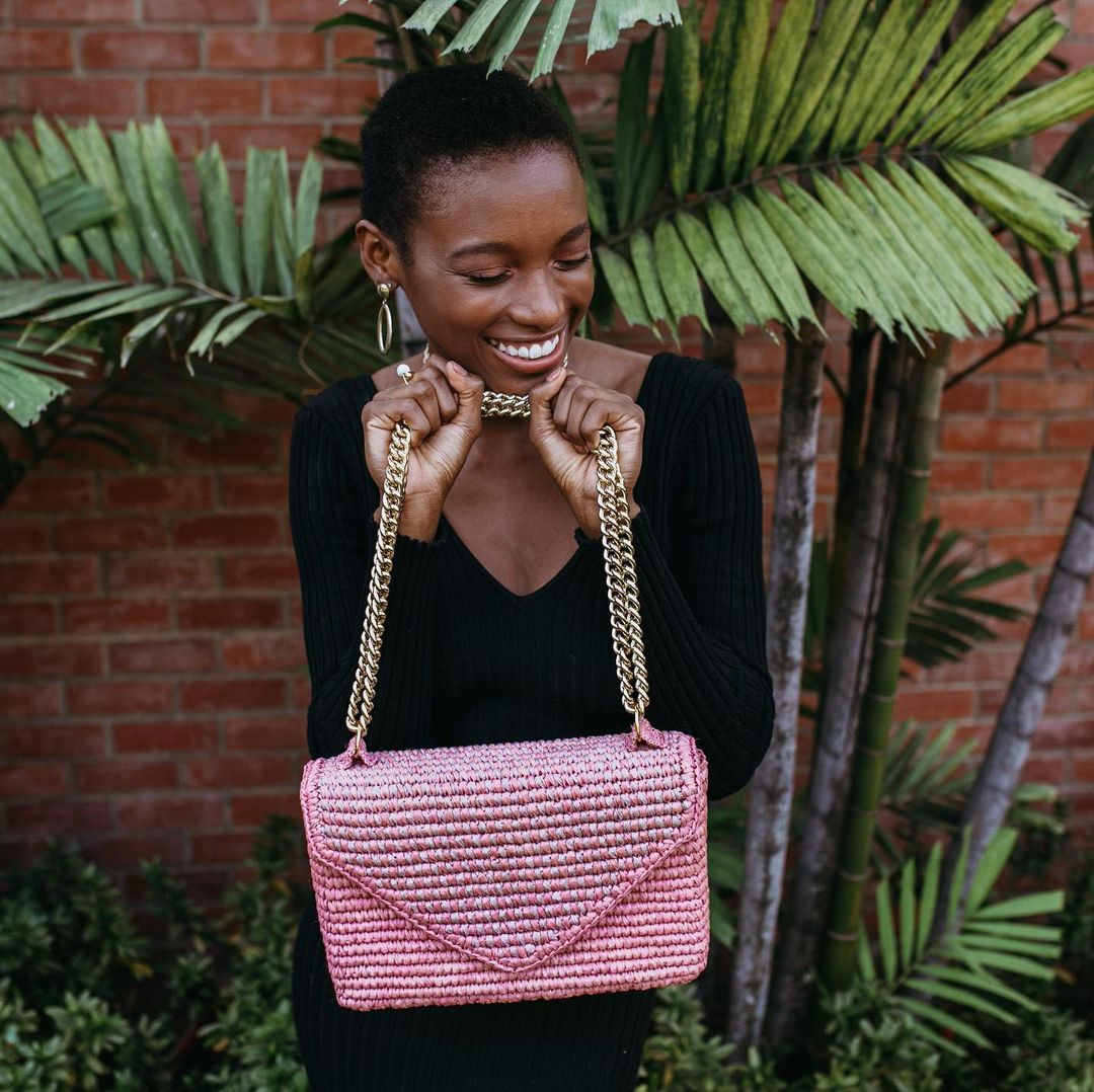 Inspired by the beauty and fertility of mother nature, this handcrafted bag represents the purity of our relationship with nature. It was meticulously handcrafted by women artisans with authentic toquilla straw from the Andean region of Ecuador.