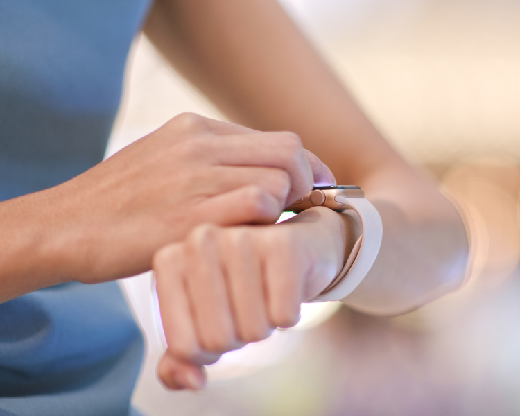 Can't decide if you should get the Fitbit or Apple watch? Monitor your health anytime, anywhere. Find out which one suits your style and needs.