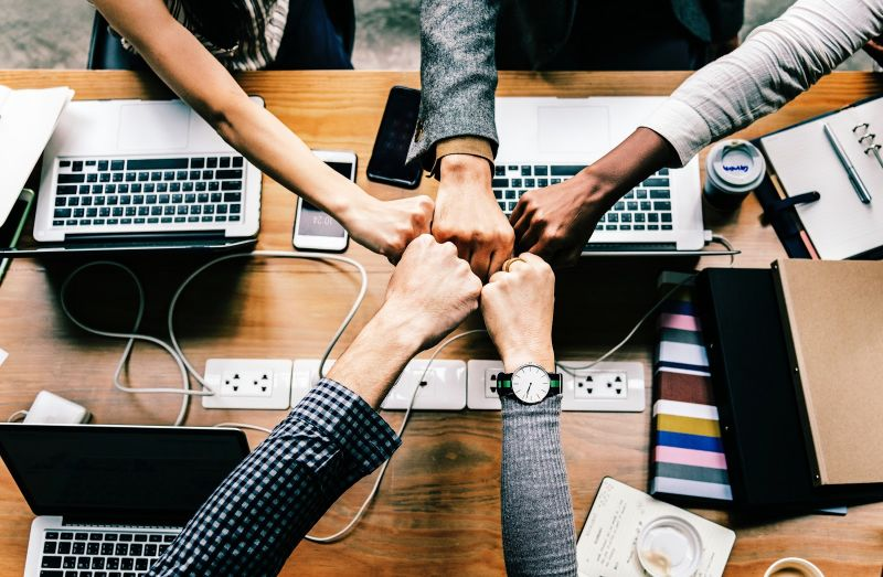 Company culture is extremely important for a company's success. However, it is often neglected by leaders - especially in times of a pandemic. Learn how to engage your employees with your company no matter where they are.