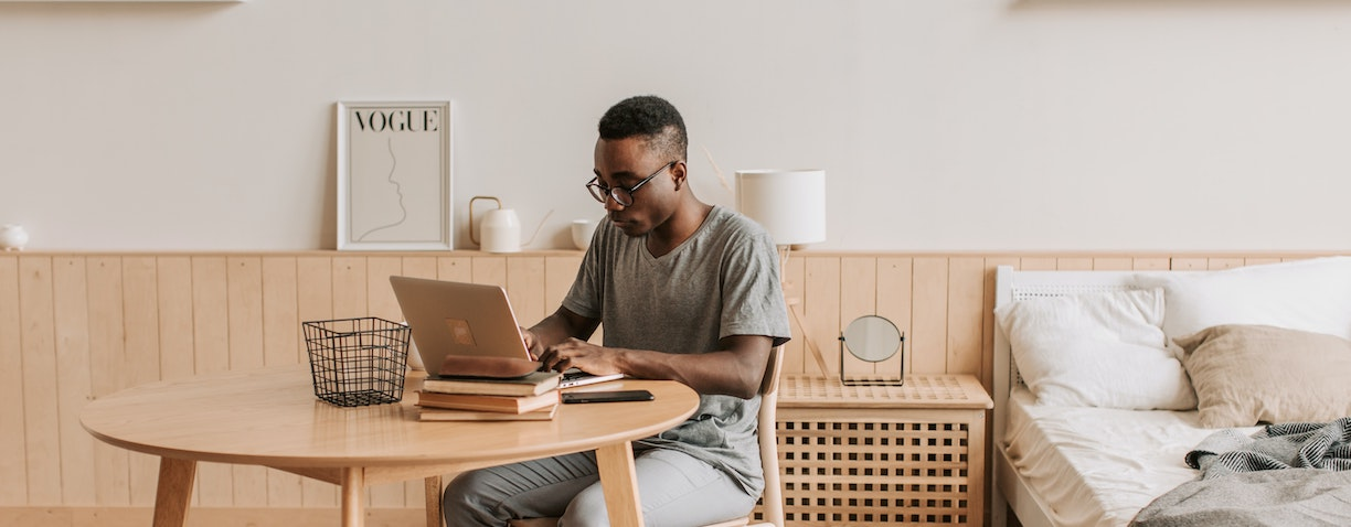 Interior designer Courtney Schrank shares how to create the most optimal work from home environment. With those easy tricks, you will love your new home office and will not want to return to your office - ever.