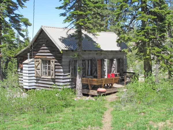 Andrews Cabin is one of ten cabins at Elwell Lakes Lodge