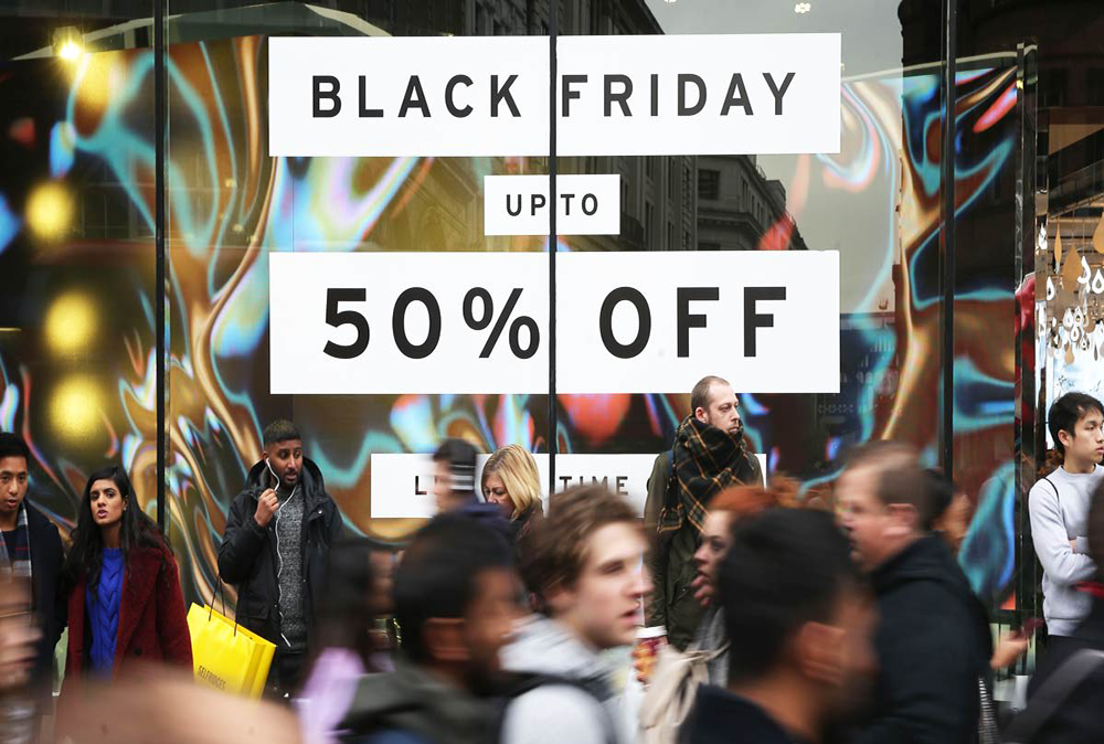 A sign advertising a Black Friday sale