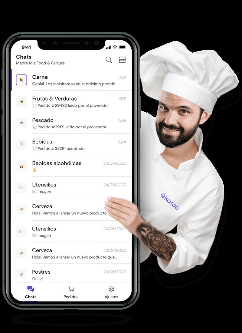 Un chef sujetando a un móvil con la app de Katoo abierta