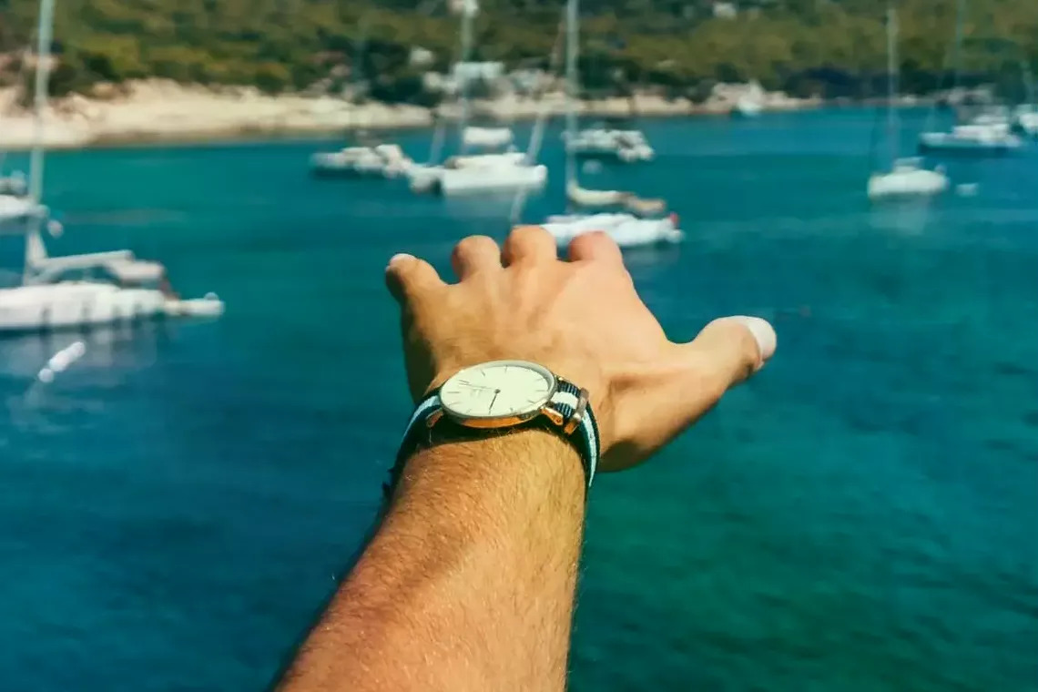 10 Best Sailing Watches for Captains and Crew Members