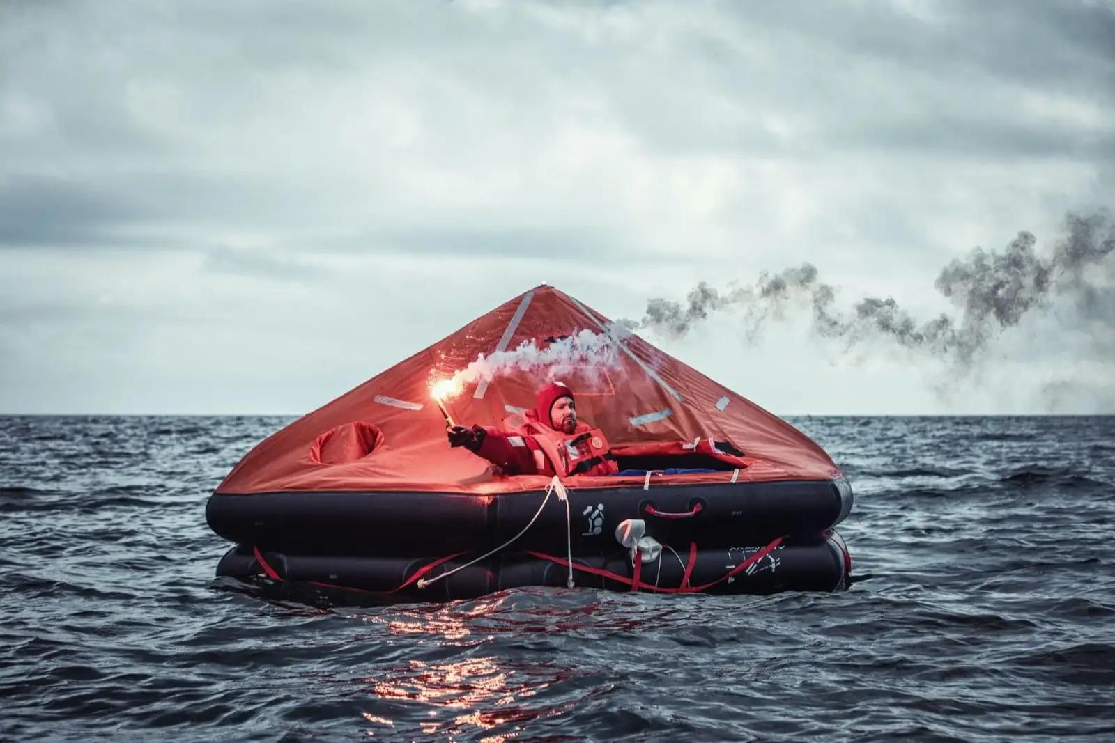 lifeboat equipment list