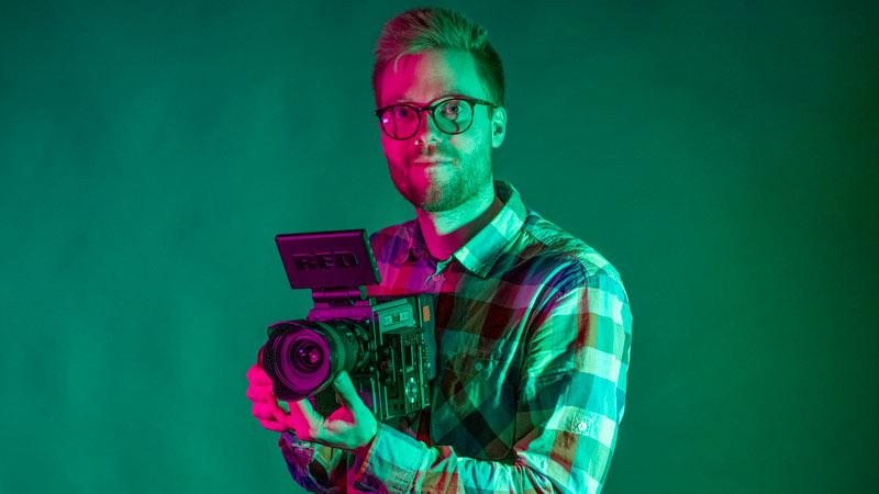 Robin är en av medarbetarna på Marulk Media som är en mediabyrå i Örebro