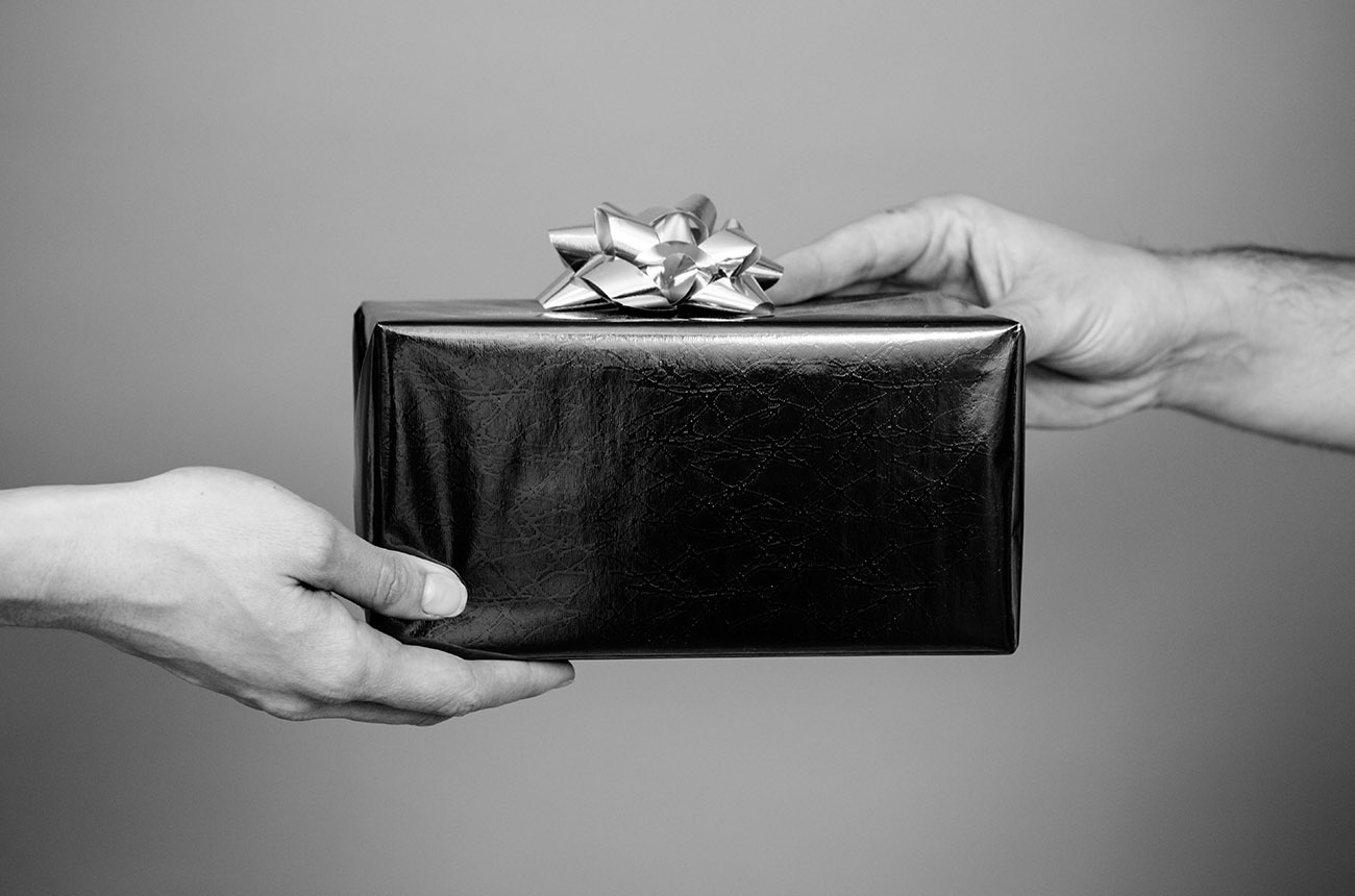 8 Brilliant Gifts for Employees