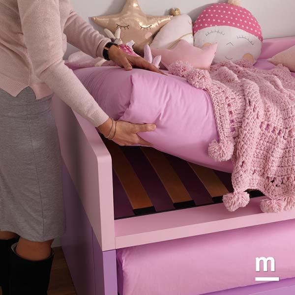 Rete a doghe per il letto Space 4 con struttura rosa cipria e lilla