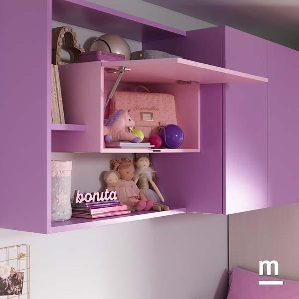 Wallbox sospeso a parete con apertura push-pull e anta Vasistas laccato rosa cipria in una