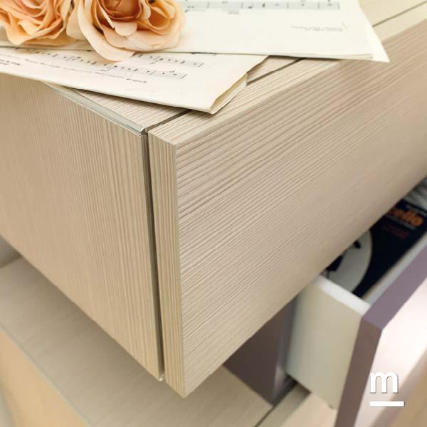 Cassetto Wallbox con profilo in alluminio cromato e apertura push-pull