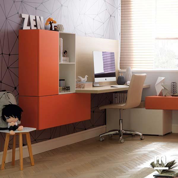Zona studio attrezzata con scrivania sospesa e Wallbox sospesi laccati mattone e bianco