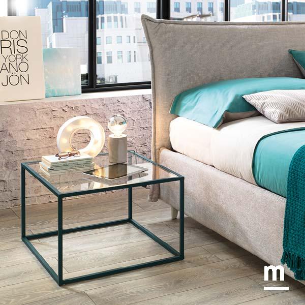 tavolino cage con profilo in alluminio laccato pavone e ripiano in vetro trasparente