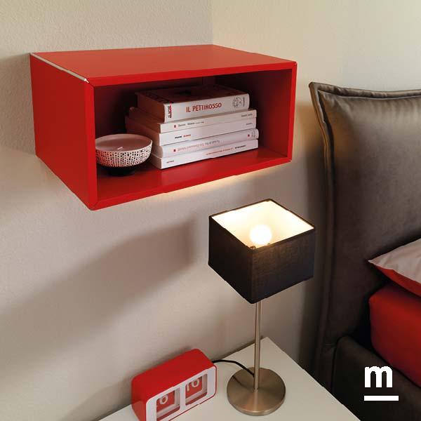 wallbox a giorno sospeso laccato rosso ciliegia con profilo in alluminio