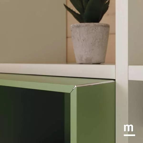 dettaglio in metallo cromato raccordo wallbox laccato flora spessore 12