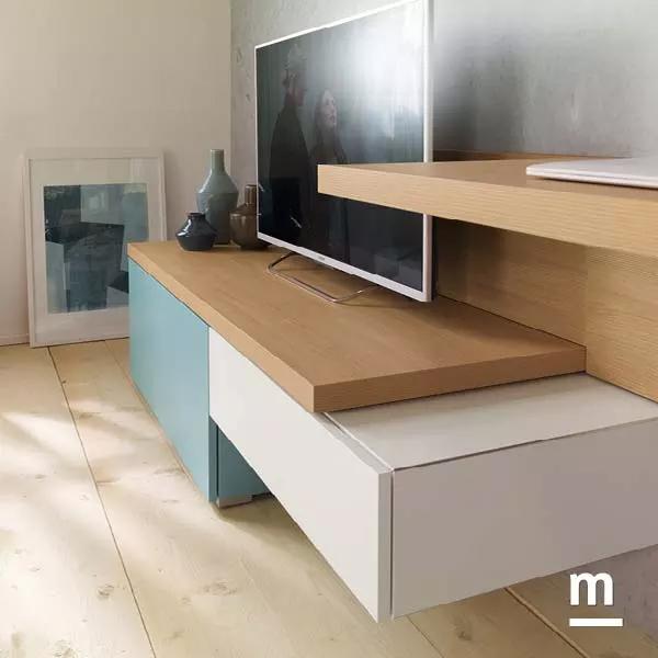 base tv spessore 40mm in essenza olmo e wallbox laccati bianco e cielo sfalsati
