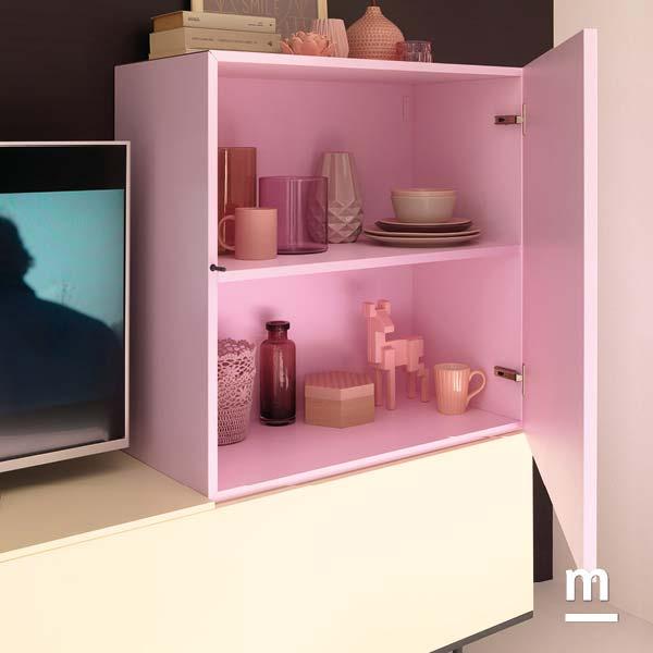 wallbox con anta apertura push-pull e ripiano centrale laccato rosa cipria