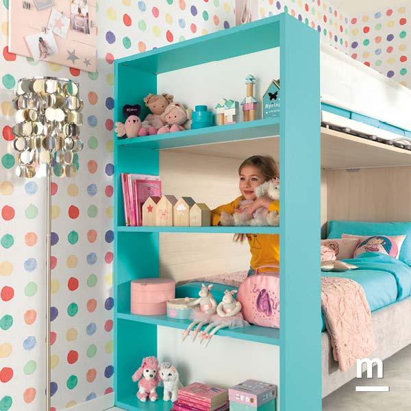 Soppalco con fianco libreria con 4 mensole laccato color turchese