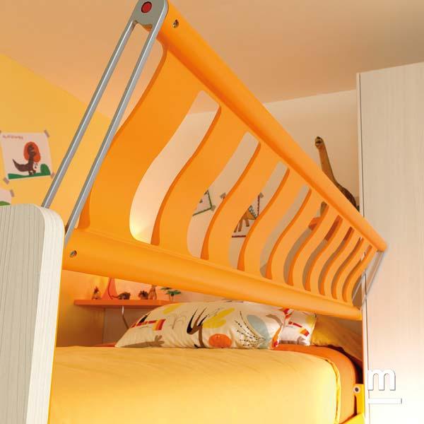 Protezione Paint Iron laccata mandarino per il letto superiore del soppalco Concept