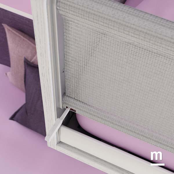 Protezione del letto superiore del soppalco con sponda di protezione sbloccabile con chiavetta di sicurezza