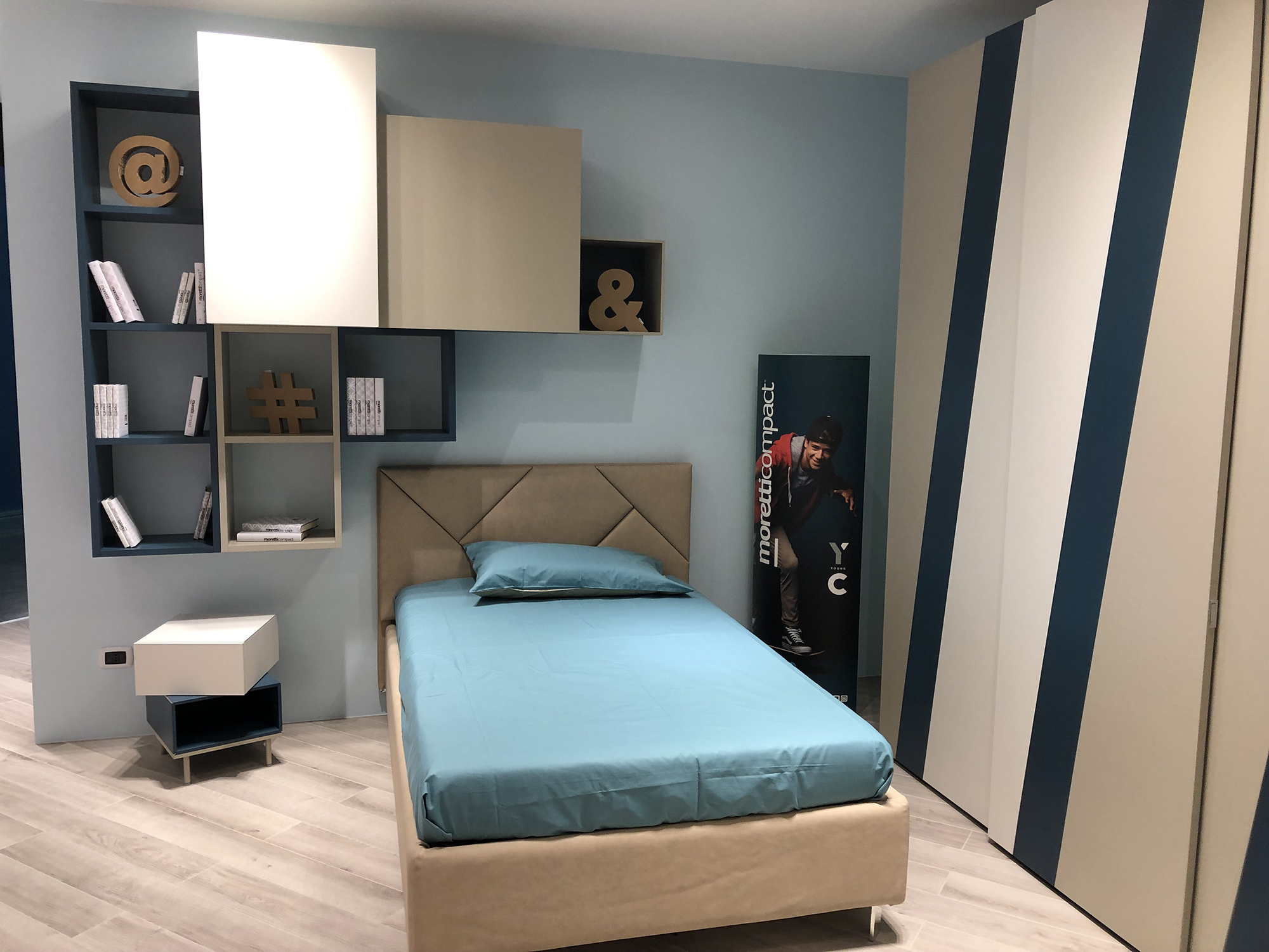 Camera per Ragazzi Moderna Blu e Nocciola