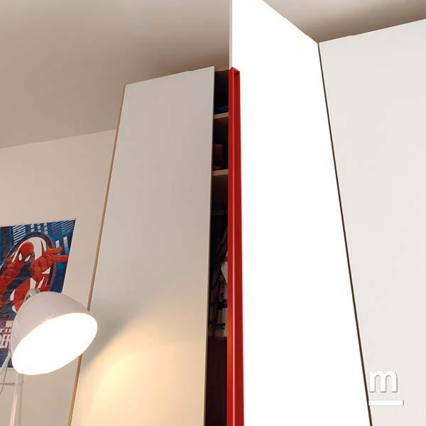 Maniglia gola rail laccata rosso ciliegia moderna su armadio ad anta battente
