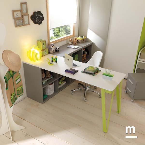 Scrivania a centro stanza SR11 con fianco di supporto in metallo laccato verde cedro