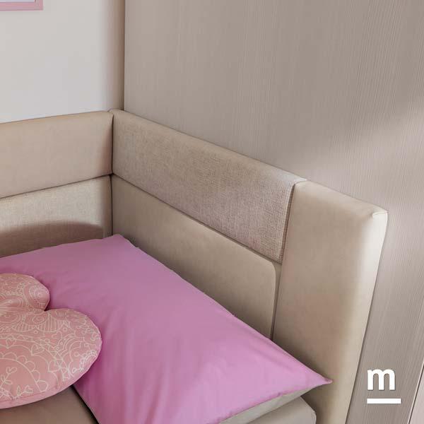 Pannelli imbottiti Tetris in ecopelle e tessuto per la testata del divano Lima