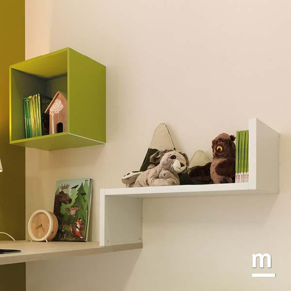 Libreria Dedalo laccata bianca con Wallbox a giorno verde oliva